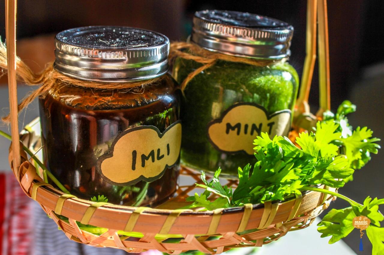 photo of tamarind (imli) and mint chutney