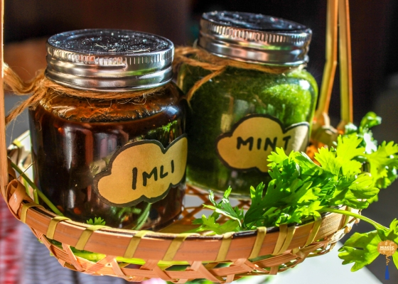 photo of tamarind (imli) and mint chutney