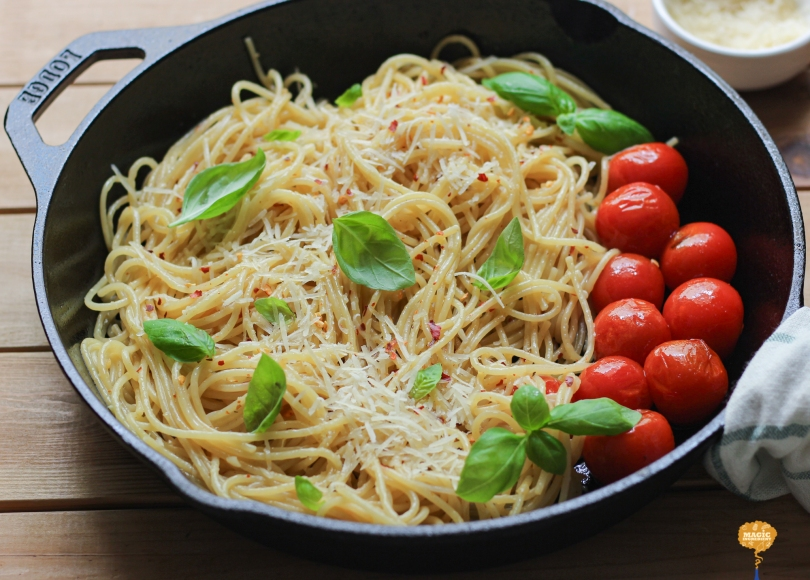 Photo of Spaghetti Aglio e olio with cherry tomatoes