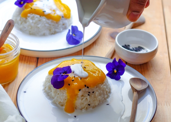 photo of Mango sauce with sticky rice