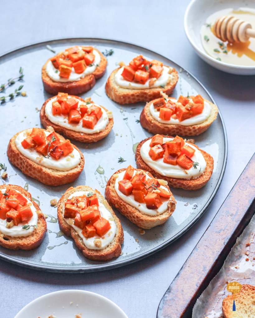 recipe of crostini with sweet potato and labneh